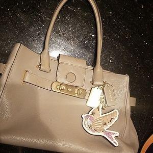 Gorgeous Coach Pebble leather handbag